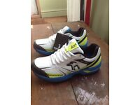 Cricket shoes/trainers