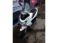 HONDA PCX 125 FOR SALE 1 YEAR MOT GIVI WINDSHIELD - STERLING