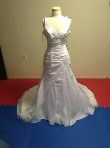 Private Label by G Size 12 Wedding Dress New With Tags Edmonton Edmonton Area image 2