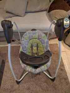 Graco automatic swing . 60$ OBO Kitchener / Waterloo Kitchener Area image 1
