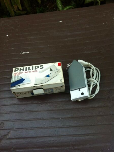 Philips World Travel Iron. In good working condition.