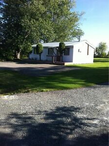 Cottage With Deeded Access to Ottawa River Gatineau Ottawa / Gatineau Area image 2