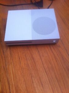 Xbox one S 1tb - reduced price