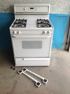 Fridgidaire Gas Stove for Sale - Great Condition