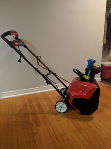 Toro Power Curve Snowblower 1800 Kitchener / Waterloo Kitchener Area image 1