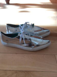 chaussures souliers NEUFS silver argent pour femme taille 6