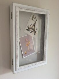 Shabby Chic 3D picture pin board