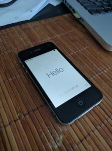 For Sale: iPhone 4s 16GB (Bell)