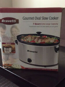 BRAND NEW 7 QUART BRAVETTI EXTRA LARGE CAPACITY SLOW COOKER