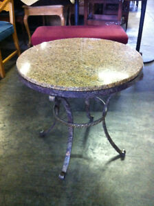 TABLES EN FER FORGET RONDE + DESSUS DE GRANITE