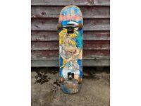 Custom pro setup Skateboard. Hookups deck, Thunder Trucks, Lucky bearings