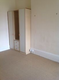 Studio flat in TEIGNMOUTH, with its own facilities