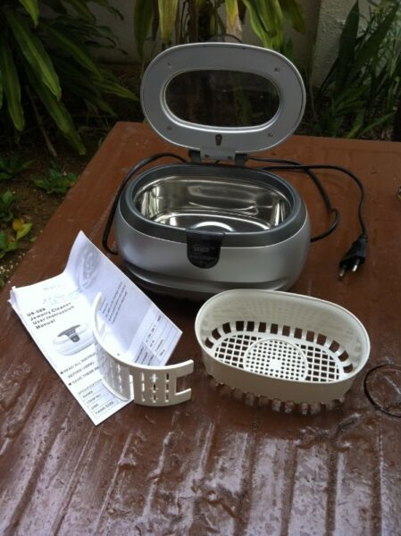 Sanyo electric jewelry cleaner.  Used only once and in good condition.