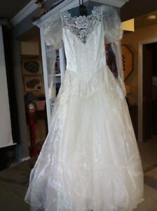 Excellent used condition Wedding dress
