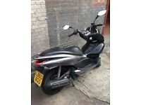 Honda PCX125 2011 WELL LOOKED AFTER - 1 YEAR MOT - WINDSHIELD