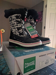 Girls Size 5 (Youth) Cougar Waterproof Winter Boots, New in Box. London Ontario image 1