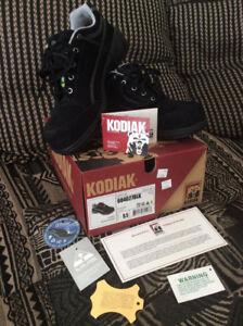 KODIAK womens steel toed Work Shoe