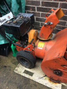 Ariens Snowblower/Snow Thro 7 hp. Briggs and Stratton engine