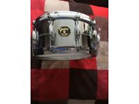 GRETSCH USASnare drum 14x6.5 chrome over brass model 4164 as new used a couple of times
