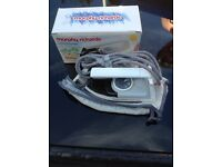 Morphs Richards travel iron