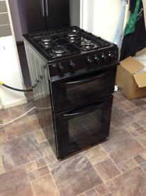 Full gas cooker, gas oven, gas hob and gas grill (less than 2 years old)