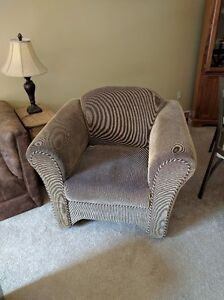 Couch and Chair for sale London Ontario image 2