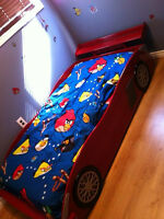 COOL RACE CAR BED!!!