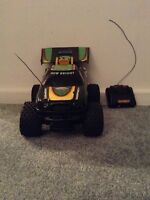 Monster truck and remote controller