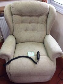 Shebourne Electric Rise & Recline Chair