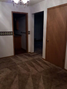 RENTED Large Spacious and Bright Adult Building Moose Jaw Regina Area image 5