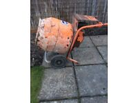Belle cement Mixer 240v (Can Deliver)