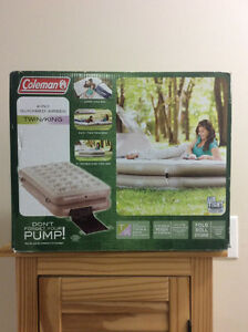 Twin / king air mattress.