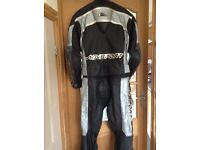 2 piece leather motorcycle set Size 42