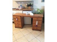 SOLID PINE DRESSING TWBLE AND EIGHT DRAWERS