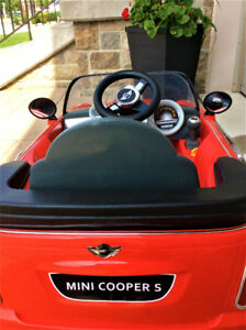 MINI COOPER RIDE-ON-BATTERY AND CHARGER INCLUDED