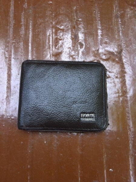 Imperial Horse wallet.   Dimension 12 10cm. In good condition.
