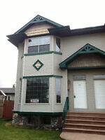 CALL TODAY! Price drop on large 2 bed Townhouse in SE! $1,275