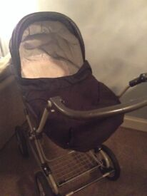 Mamas and papas Pram travel system with car seat, lovely condition