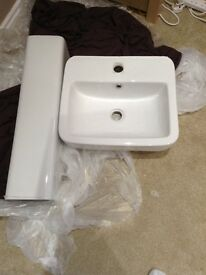 Sink basin and pedestal white - 18 months old