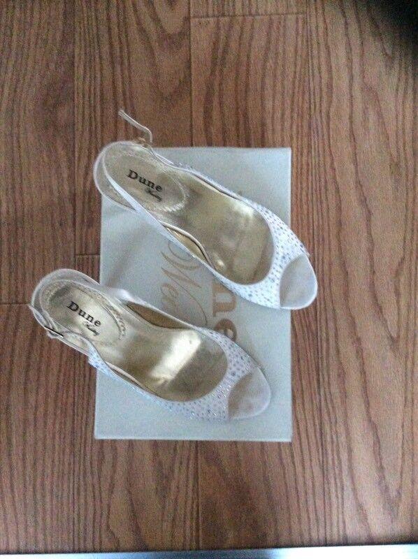 Glasgow City Centre GBP2500 Dune Ivory Diamonte Heel Peep Toe Shoes Worn Once