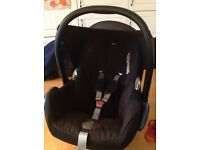 Maxi cosi Car seat & EasyFix car seat base isofix and pram adapters