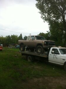 1986 ford 1/2 ton lifted with big tires