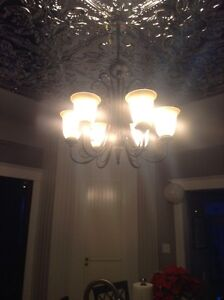 Island or dining table chandelier
