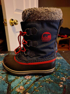"Boys Size 2 Sorel ""Yoot Pac"" Waterproof Winter Boots, EUC London Ontario image 3"