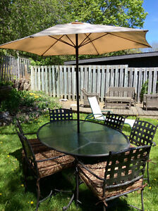 Patio table with umbrella,stand and 6 chairs new low price