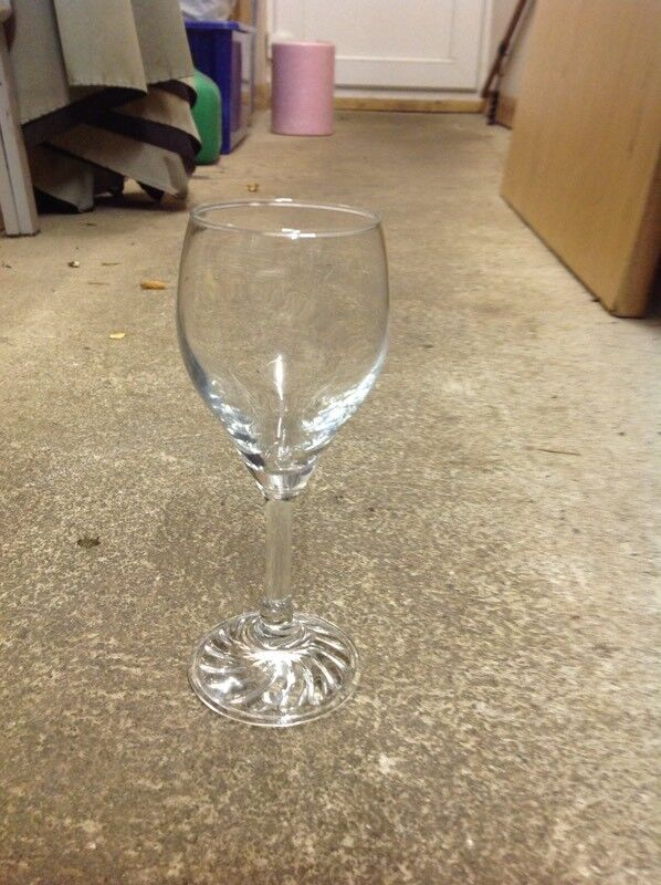 47 patterned bottom small wine glasses