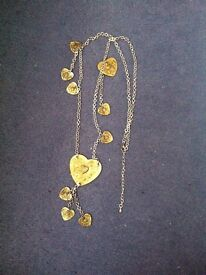 Vintage style long necklace.