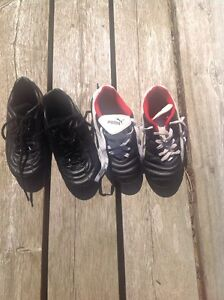 Young child soccer cleats size 1