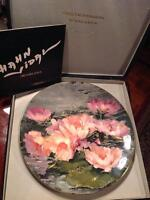 BOXED ROYAL DOULTON HAHN VIDAL PLATE: DREAMING LOTUS