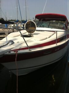 END OF SEASON SPECIAL  priced to sell 1992 Four Winns Vista